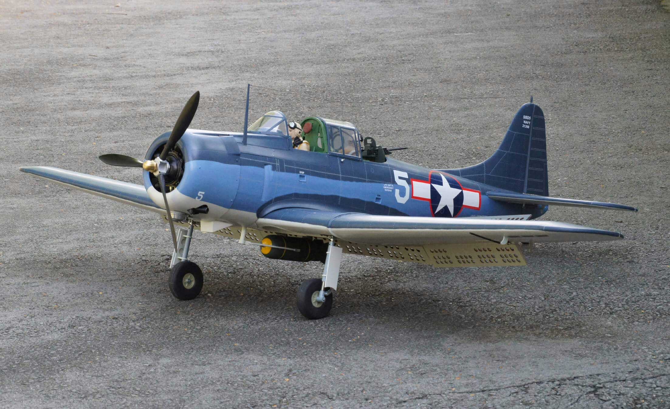 SBD-5 Dauntless 30cc size EP-GP ドーントレス 両用機